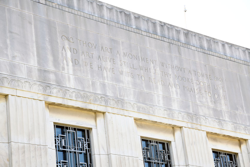 Inscription on the outside of the Folger building