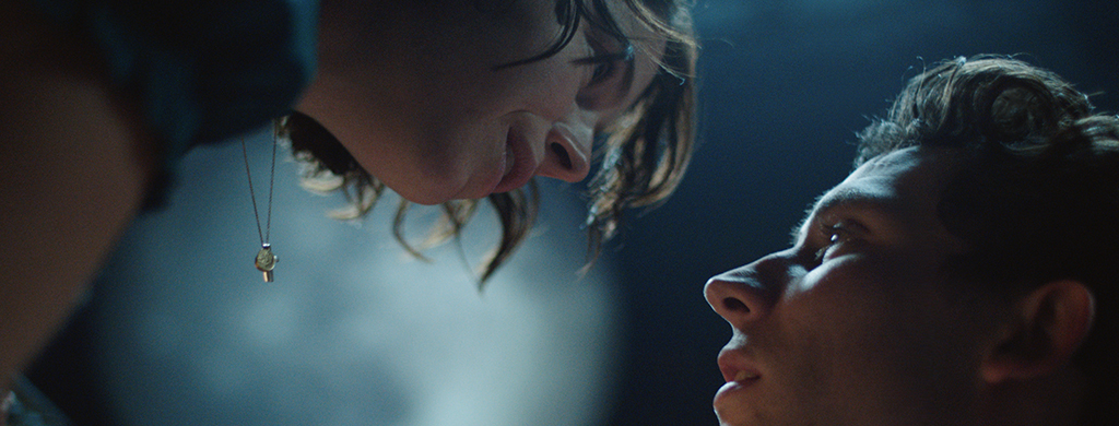 Jessie Buckley and Josh OConnor stare into one anothers eyes as Romeo and Juliet.