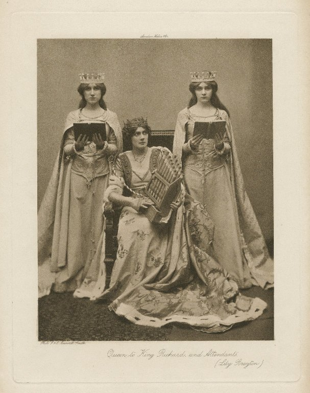 Lily Brayton as Queen Isabella (1900)